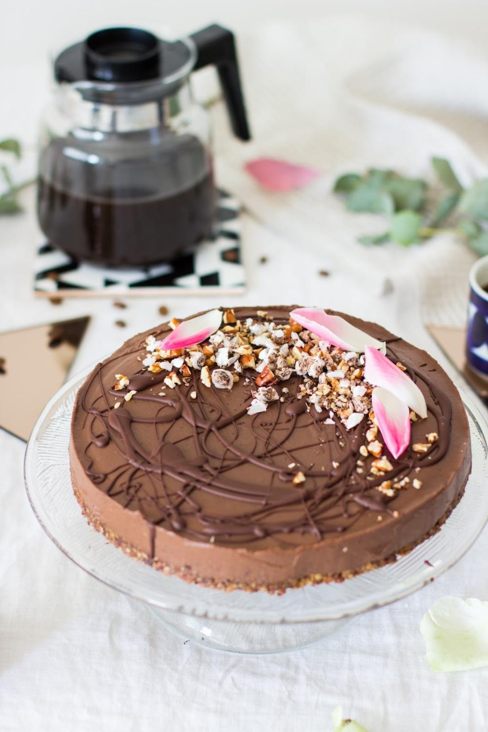 äitienpäivän suklaakakku