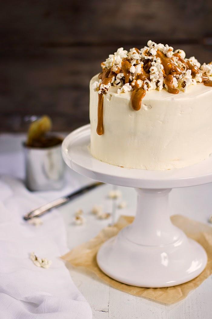 Suolakaramelli popcorn kakku